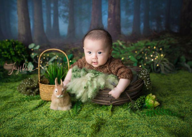 Baby 100 Days Photos