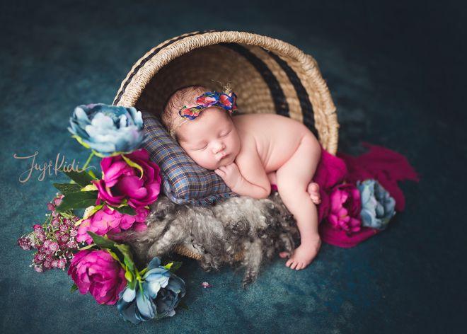 © JustKidi Photography Studio Newborn Baby Girl Enchanted Newborn Photo Hills District 悉尼山区新生儿宝宝写真满月照